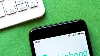 How Robinhood and Coronavirus created a perfect storm for young new investors
