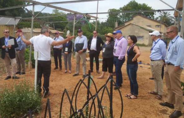 Boaz Wachtel invites delegation members from South Australia Primary Industries and Regional Development and the Office of South Australian Chief Entrepreneur to the Roots research and development hub in Beit Halevy, Israel.