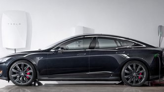 Tesla power hits Australia