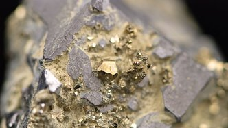 Navarre Minerals has early success at the Irvine prospect